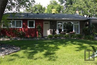 Photo 1: 43 Mohawk Bay in Winnipeg: Niakwa Park Residential for sale (2G)  : MLS®# 1820213