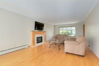 """Photo 18: 14528 SATURNA Drive: White Rock House for sale in """"Upper West White Rock"""" (South Surrey White Rock)  : MLS®# R2483571"""