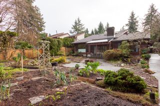 """Photo 34: 4195 DONCASTER Way in Vancouver: Dunbar House for sale in """"DUNBAR"""" (Vancouver West)  : MLS®# R2238162"""