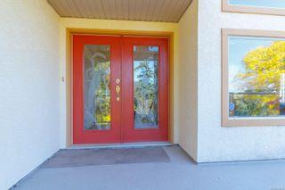 Photo 3: 1785 Cedar Hill Cross Rd in : SE Mt Tolmie House for sale (Saanich East)  : MLS®# 858510