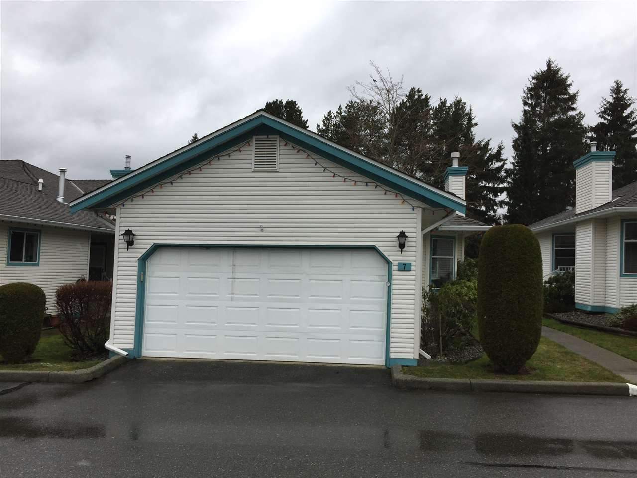 """Main Photo: 7 27435 29A Avenue in Langley: Aldergrove Langley Townhouse for sale in """"CREEKSIDE VILLA"""" : MLS®# R2143521"""