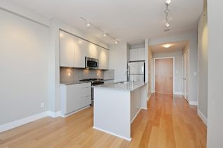 "Photo 7: 305 298 E 11TH Avenue in Vancouver: Mount Pleasant VE Condo for sale in ""THE SOPHIA"" (Vancouver East)  : MLS®# R2138336"