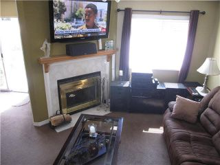 """Photo 3: 105 11255 HARRISON Street in Maple Ridge: East Central Townhouse for sale in """"RIVER HEIGHTS"""" : MLS®# V1107539"""