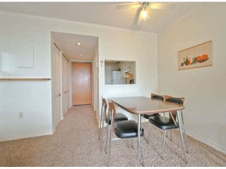 "Photo 3: 810 15111 RUSSELL Avenue: White Rock Condo for sale in ""Pacific Terrace"" (South Surrey White Rock)  : MLS®# F1424896"