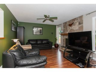 Photo 3: 20080 45 Avenue in Langley: Langley City House for sale : MLS®# R2178555