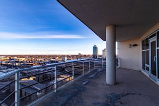 Photo 4: 2102 10388 105 Street in Edmonton: Zone 12 Condo for sale : MLS®# E4223976