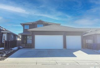 Photo 1: 712 Redwood Crescent in Warman: Residential for sale : MLS®# SK855808