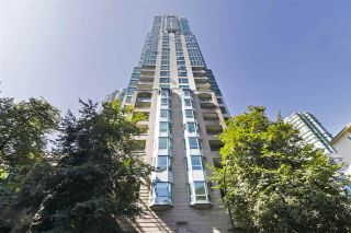 """Photo 1: 1203 1238 MELVILLE Street in Vancouver: Coal Harbour Condo for sale in """"Pointe Claire"""" (Vancouver West)  : MLS®# R2488027"""