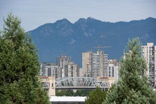 """Photo 21: 403 1529 W 6TH Avenue in Vancouver: False Creek Condo for sale in """"WSIX"""" (Vancouver West)  : MLS®# R2620601"""