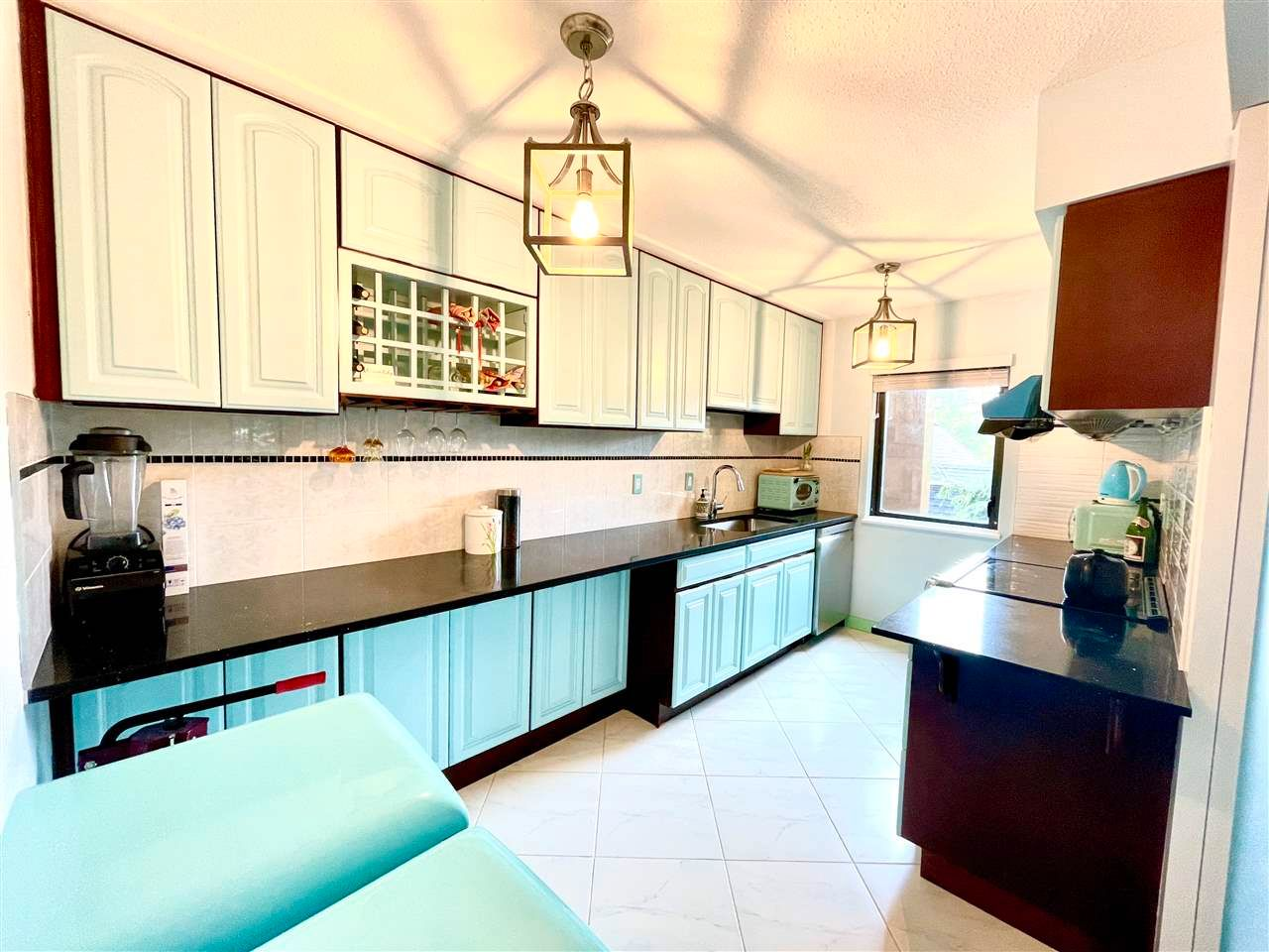 Main Photo: 306 1435 NELSON Street in Vancouver: West End VW Condo for sale (Vancouver West)  : MLS®# R2571835