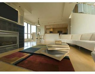 """Photo 1: PH 4 867 HAMILTON ST in Vancouver: Downtown VW Condo for sale in """"JARDINE'S LOOKOUT"""" (Vancouver West)  : MLS®# V601109"""