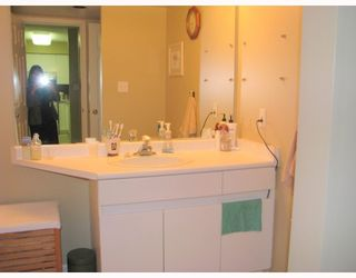 """Photo 6: 310 1199 WESTWOOD Street in Coquitlam: North Coquitlam Condo for sale in """"LAKESIDE TERRACE"""" : MLS®# V720873"""