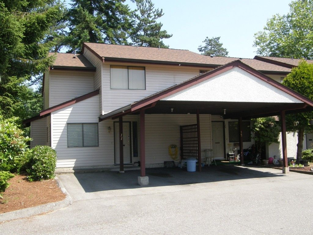 Main Photo: 11 13990 74 Avenue in Surrey: Townhouse