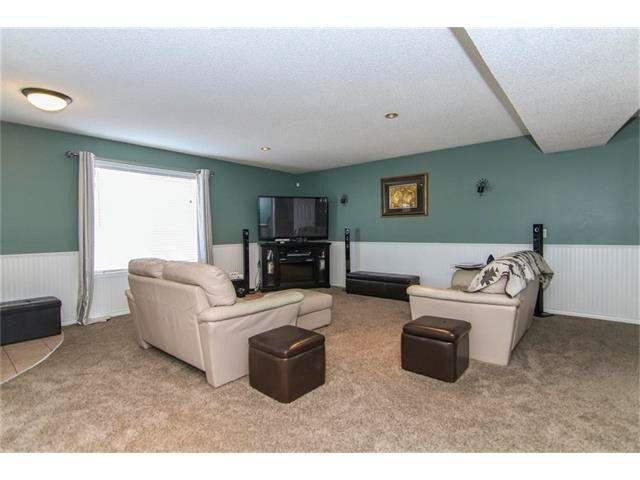 Photo 19: Photos: 208 MT ABERDEEN Circle SE in Calgary: McKenzie Lake House for sale : MLS®# C4067845