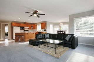 """Photo 10: 6135 185A Street in Surrey: Cloverdale BC House for sale in """"EAGLE CREST"""" (Cloverdale)  : MLS®# F1402366"""