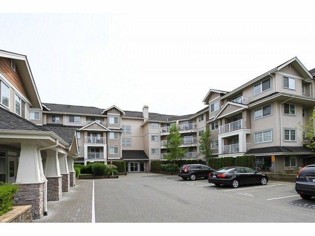 Main Photo: 201 19388 65 Avenue in Cloverdale, Clayton: Condo for sale : MLS®# F1411216