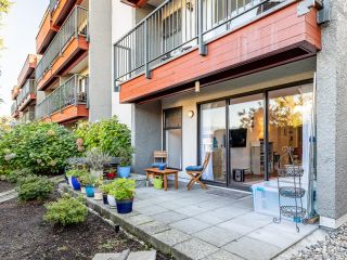 """Photo 6: 210 2120 W 2ND Avenue in Vancouver: Kitsilano Condo for sale in """"ARBUTUS PLACE"""" (Vancouver West)  : MLS®# R2625564"""
