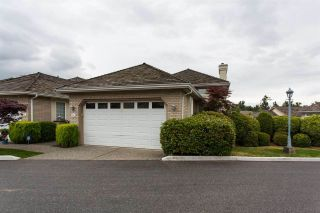 """Photo 1: 14 31450 SPUR Avenue in Abbotsford: Abbotsford West Townhouse for sale in """"LakePointe Villas"""" : MLS®# R2502177"""