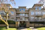 """Main Photo: 305 2490 W 2ND Avenue in Vancouver: Kitsilano Condo for sale in """"Trinity Place"""" (Vancouver West)  : MLS®# R2567994"""