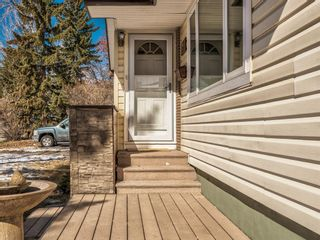 Photo 3: 22 Chancellor Way NW in Calgary: Cambrian Heights Detached for sale : MLS®# A1086810