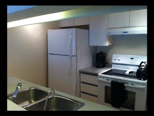 """Photo 6: Photos: 208 1738 ALBERNI Street in Vancouver: West End VW Condo  in """"ATRIUM ON THE PARK"""" (Vancouver West)  : MLS®# V879698"""