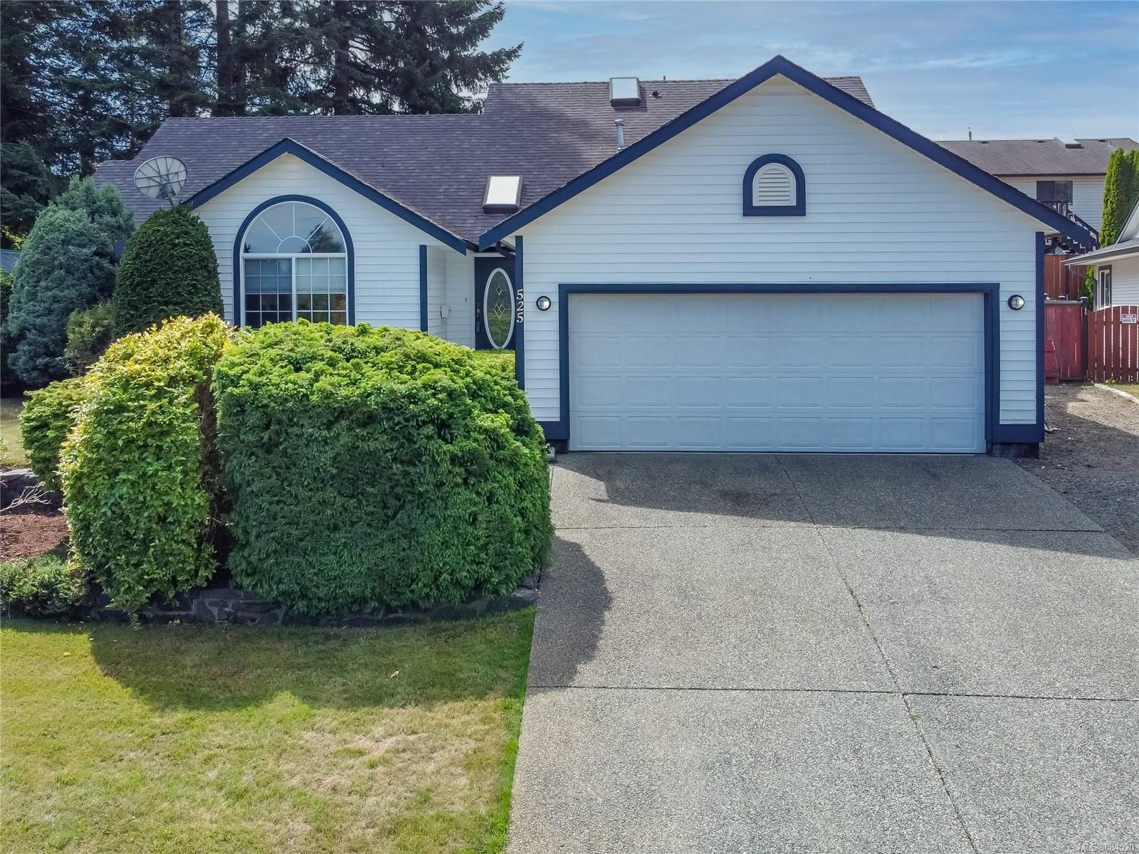 Main Photo: 525 Cove Pl in : CR Willow Point House for sale (Campbell River)  : MLS®# 884520