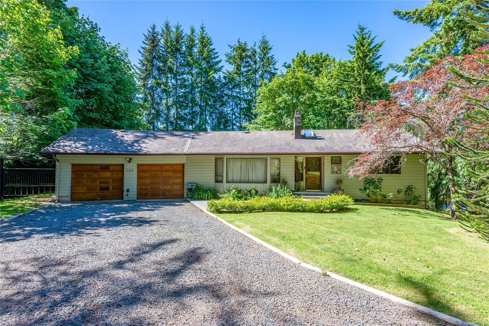 Main Photo: 785 Evergreen Rd in : CR Campbell River Central House for sale (Campbell River)  : MLS®# 877473