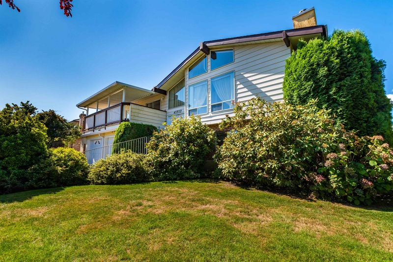FEATURED LISTING: 45352 LENORA Crescent Chilliwack