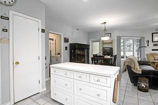 Photo 12: 3217 2 Street NW in Calgary: Mount Pleasant Row/Townhouse for sale : MLS®# A1083371
