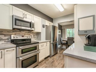 "Photo 8: 6 33918 MAYFAIR Avenue in Abbotsford: Central Abbotsford Townhouse for sale in ""Clover Place"" : MLS®# R2385034"