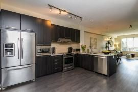 """Photo 4: 44 1338 HAMES Crescent in Coquitlam: Burke Mountain Townhouse for sale in """"FARRINGTON PARK"""" : MLS®# R2048770"""