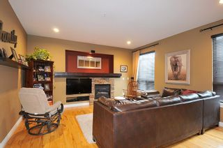 """Photo 5: 11735 GILLAND Loop in Maple Ridge: Cottonwood MR House for sale in """"RICHMOND HILL"""" : MLS®# R2027944"""