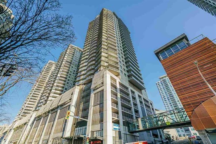 """Main Photo: 2302 898 CARNARVON Street in New Westminster: Downtown NW Condo for sale in """"AZZURE 1"""" : MLS®# R2516929"""