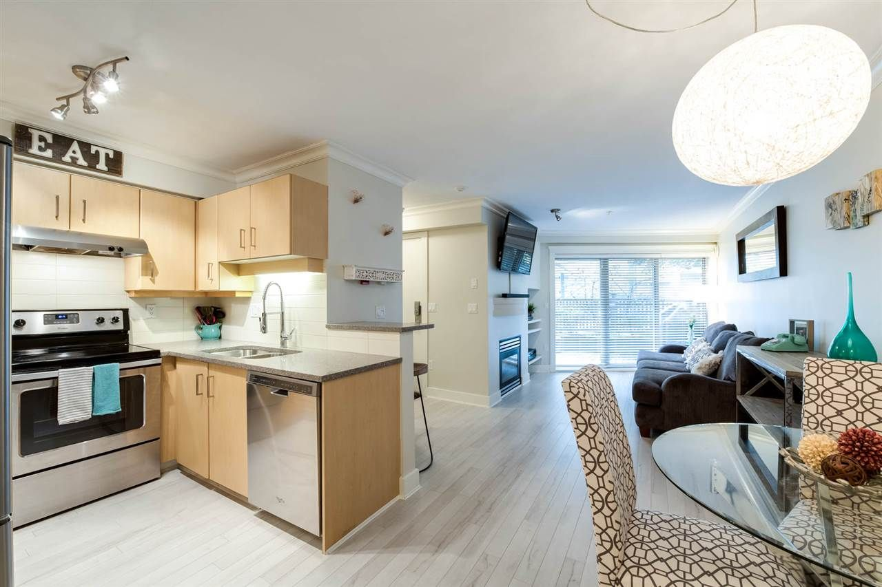Main Photo: C4 332 LONSDALE AVENUE in North Vancouver: Lower Lonsdale Condo for sale : MLS®# R2208855