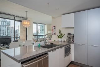 "Photo 3: 2303 788 RICHARDS Street in Vancouver: Downtown VW Condo for sale in ""L'Hermitage"" (Vancouver West)  : MLS®# R2531350"