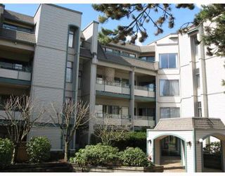 "Photo 1: 402 2915 GLEN Drive in Coquitlam: North Coquitlam Condo for sale in ""GLENBOROUGH"" : MLS®# V758853"