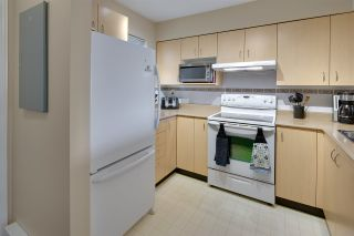 """Photo 10: 19 123 SEVENTH Street in New Westminster: Uptown NW Townhouse for sale in """"ROYAL CITY TERRACE"""" : MLS®# R2077015"""