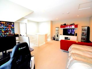 Photo 14: 229 SALTER Street in New Westminster: Queensborough Condo for sale : MLS®# R2386046