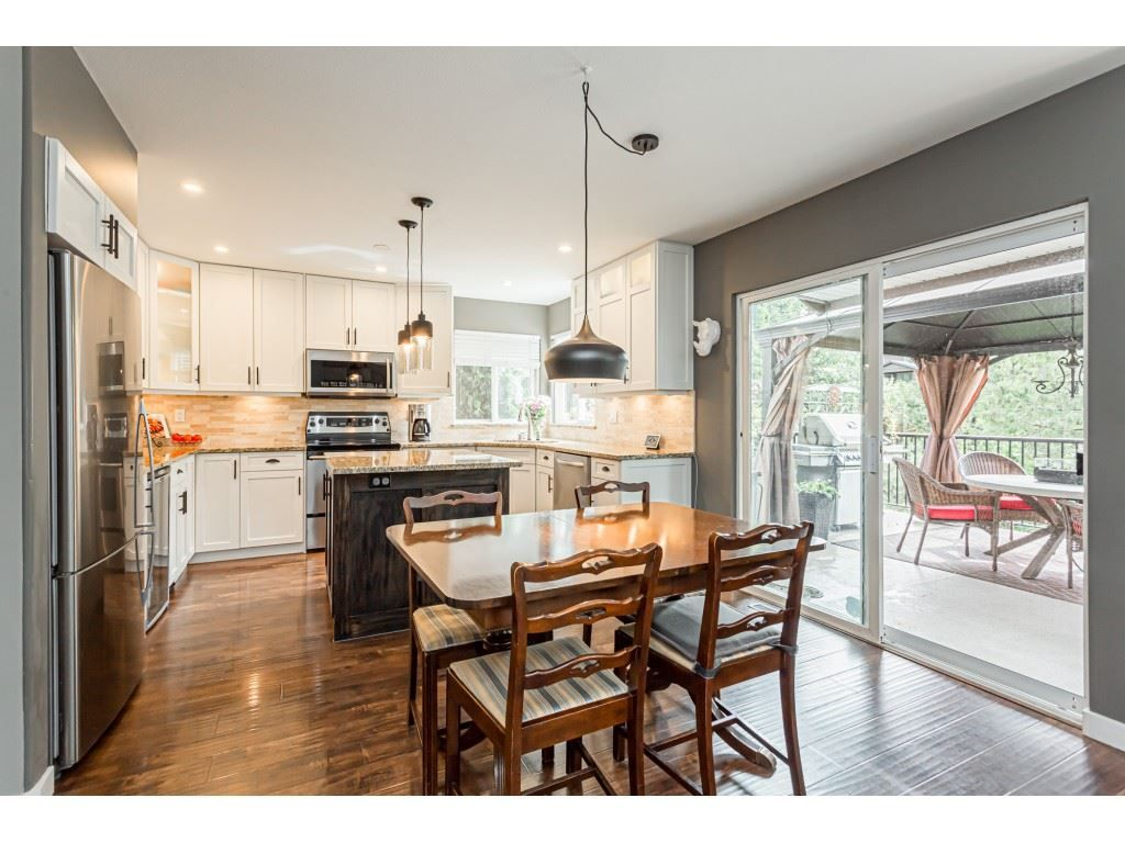 Photo 9: Photos: 11040 238 Street in Maple Ridge: Cottonwood MR House for sale : MLS®# R2468423