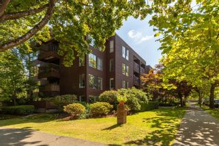"""Photo 15: 101 2920 ASH Street in Vancouver: Fairview VW Condo for sale in """"Ash Court"""" (Vancouver West)  : MLS®# R2615641"""