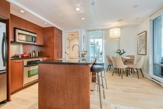 """Photo 5: 2902 1255 SEYMOUR Street in Vancouver: Downtown VW Condo for sale in """"ELAN"""" (Vancouver West)  : MLS®# R2472838"""