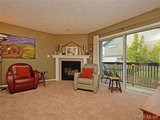 Photo 8: 1646 Myrtle Ave in VICTORIA: Vi Oaklands Row/Townhouse for sale (Victoria)  : MLS®# 701228