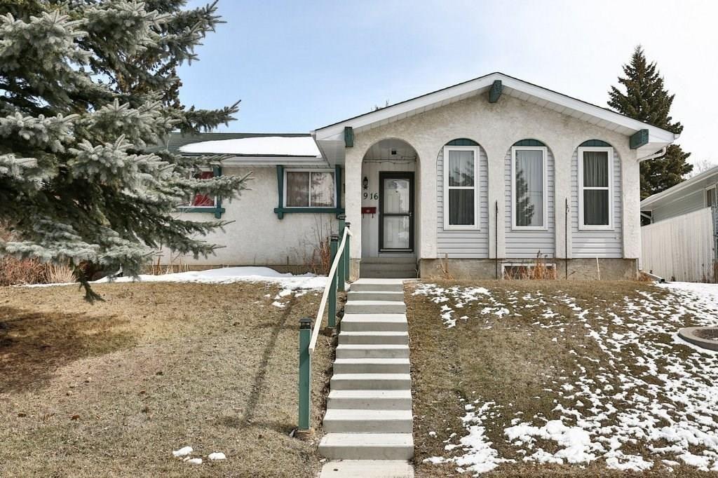 Main Photo: 1916 65 Street NE in Calgary: Pineridge House for sale : MLS®# C4177761