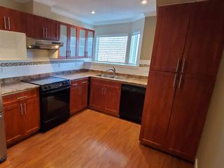 """Photo 6: 203 7651 AMBER Drive in Sardis: Sardis West Vedder Rd Condo for sale in """"EMERALD COURT"""" : MLS®# R2458203"""