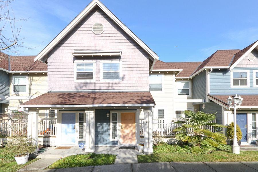 "Main Photo: 24 1700 56TH Street in Tsawwassen: Beach Grove Townhouse for sale in ""THE PILLARS"" : MLS®# V929989"