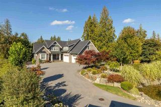 """Photo 2: 22041 86A Avenue in Langley: Fort Langley House for sale in """"TOPHAM ESTATES"""" : MLS®# R2570314"""