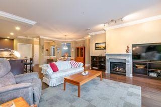 Photo 4: 210 16499 64 Avenue in Surrey: Cloverdale BC Condo for sale (Cloverdale)  : MLS®# R2610364