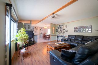 Photo 2: 31 North Drive in Portage la Prairie RM: House for sale : MLS®# 202117386