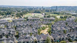 Photo 2: 133 3105 DAYANEE SPRINGS BL Boulevard in Coquitlam: Westwood Plateau Townhouse for sale : MLS®# R2244598