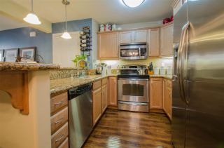 Photo 4: CLAIREMONT Condo for sale : 2 bedrooms : 5252 Balboa Arms #122 in San Diego
